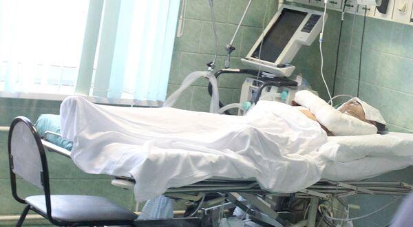 Пострадавшие во время теракта в аэропорту Домодедово в реанимационном отделении городской клинической больницы № 64.