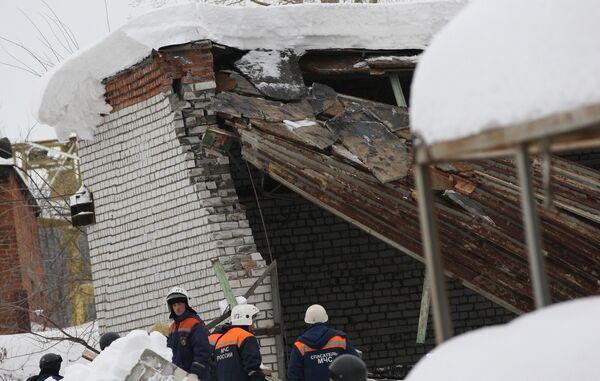 Обрушение кровли промышленного здания в Казани