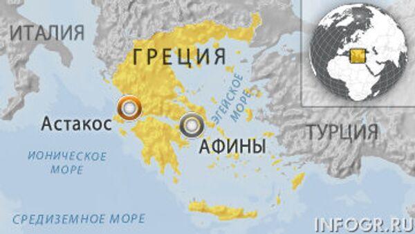 Судно врезалось в причал в Греции