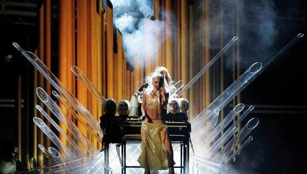Леди Гага на церемонии Grammy представила новую песню