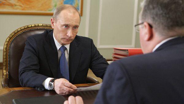 Премьер-министр РФ Владимир Путин встретился с главой Федеральной таможенной службы России