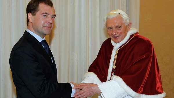 Президент РФ Д.Медведев на встрече с Папой Римским Бенедиктом ХVI. 2011 год