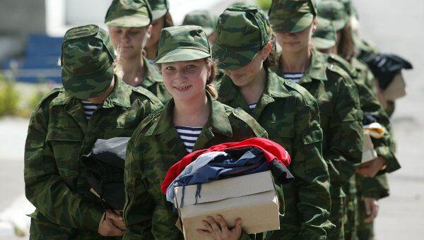 Девушки на военной службе. Архивное фото