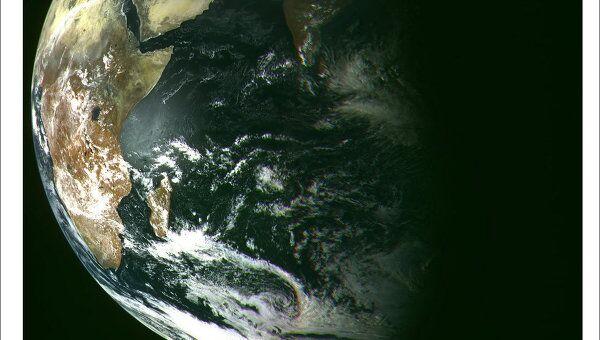 НИЦ Планета Росгидромета 26 февраля в 14-30 мск получил первое изображение Земли по данным космического аппарата Электро-Л No. 1, запущенного 20 января 2011 года с космодрома Байконур.