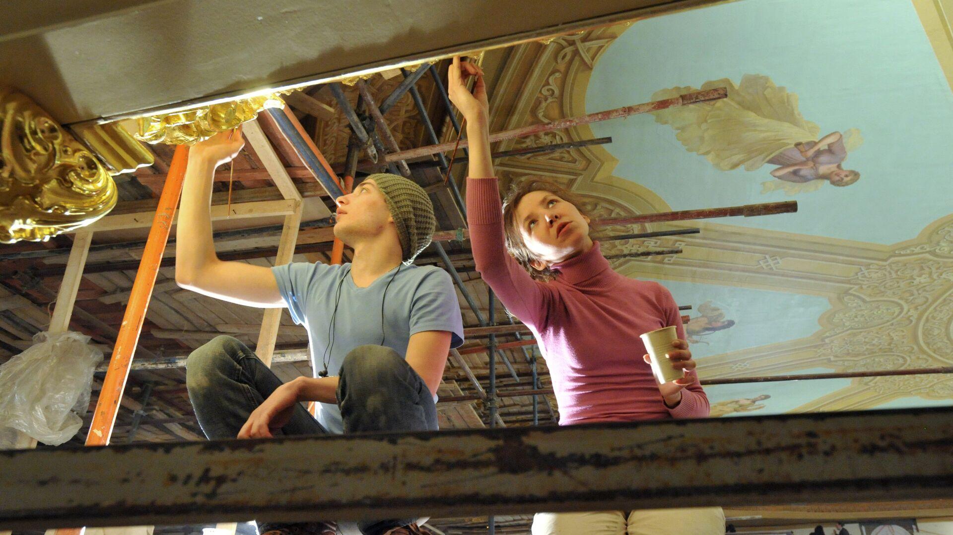 Завершение реставрации потолка в зрительном зале Большого театра - РИА Новости, 1920, 01.06.2021