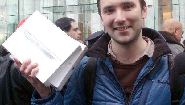 Первым обладателем обновленного iPad 2 стал россиянин
