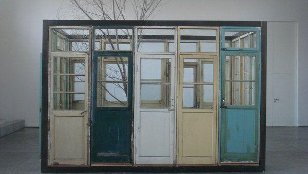 Инсталяция китайского художника Сонг-Донга (Song Dong), представленная в рамках проекта ILLUMInations на 54-й Венецианской биеннале современного искусства