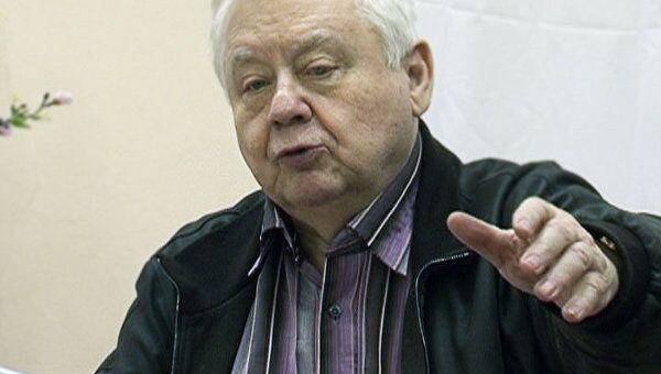 Олег Табаков прочитал сказку детям железнодорожников
