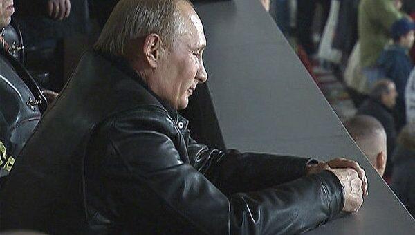 Сербские футбольные фанаты спели Путину Катюшу на стадионе Маракана