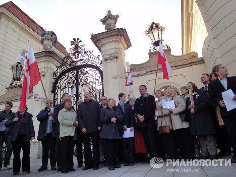 Митинг в центре Варшавы недалеко от президентского дворца