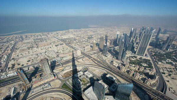 Вид на Дубай с делового центра Бурж Аль Халифа