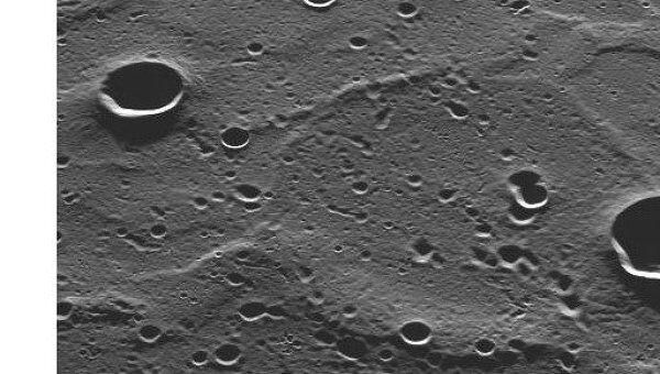 Поверхность Меркурия. Архивное фото