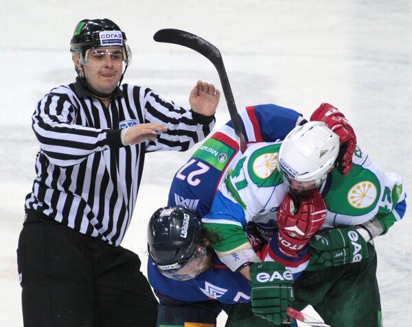 Драка в матче Металлург - Салават Юлаев