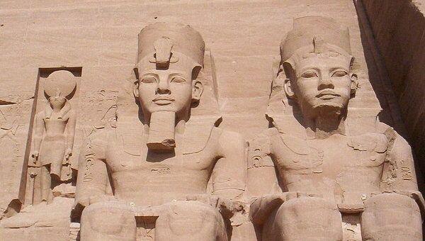 Статуи фараона Рамзеса II