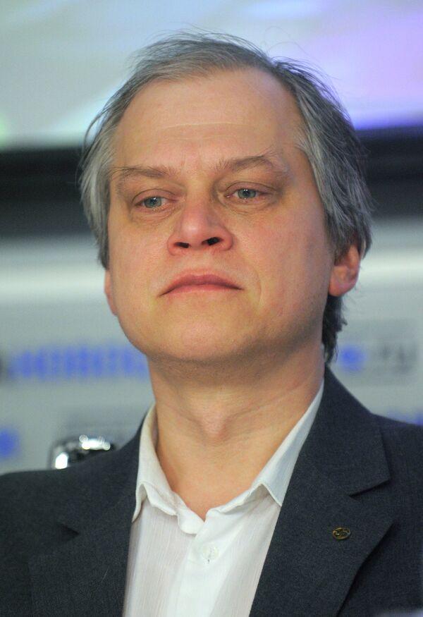 Руководитель ассоциации журналистов-экологов Александр Федоров на пресс-конференции, посвященной Первому Международному форуму гражданской журналистики в области экологии ЭкоБлогия