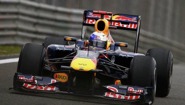 Себастьян Феттель из команды Ред Булл выиграл все три сессии свободных заездов Гран-при Китая