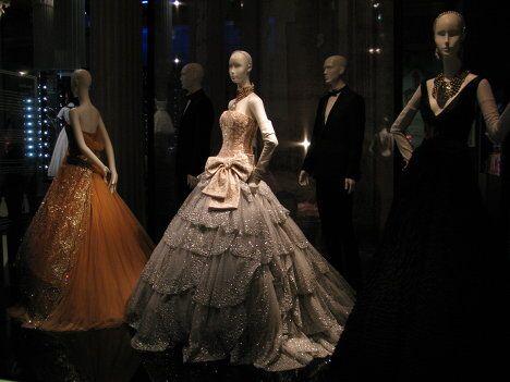 Выставка Диор: под знаком искусства