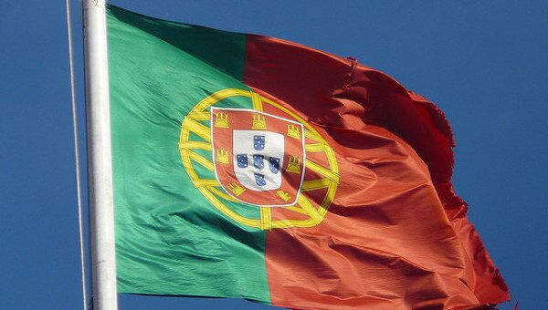 Флаг Португалии. Архивное фото