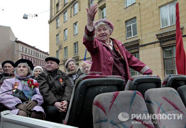 Ретро-автопробег военной техники времен Великой Отечественной войны в Санкт-Петербурге