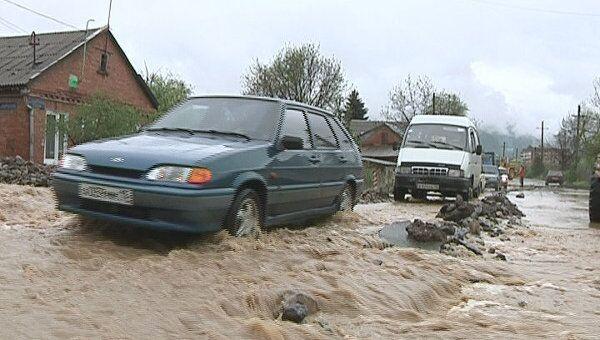 Подтопление домов из-за сильных ливней во Владикавказе