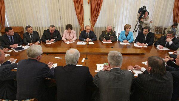 Встреча Владимира Путина с членами Координационного совета Общероссийского народного фронта