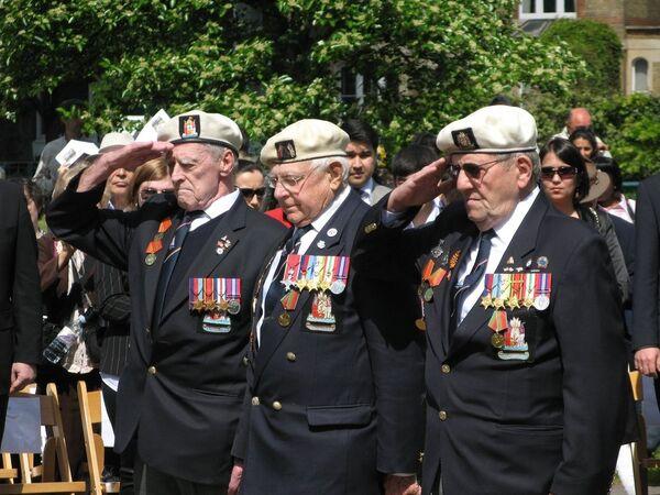 Жители Лондона почтили память героев Второй мировой войны в День Победы