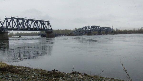Обрушившийся железнодорожный мост в Хакасии