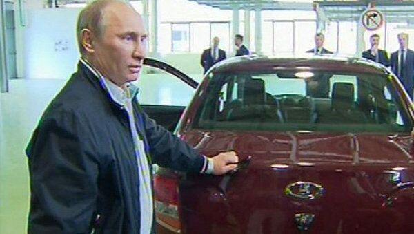 Путин испытал новую Lada Granta и посоветовал ездить на ней на дачу