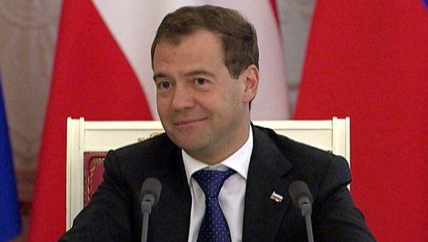 Журналист из Австрии узнал у Медведева, надеяться ли на его второй срок