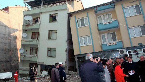 Последствия землетрясения в провинции Кютахья в Турции