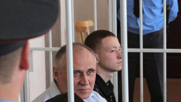 Оглашение приговора экс-кандидатам в президенты Белоруссии Н.Статкевичу и Д.Уссу