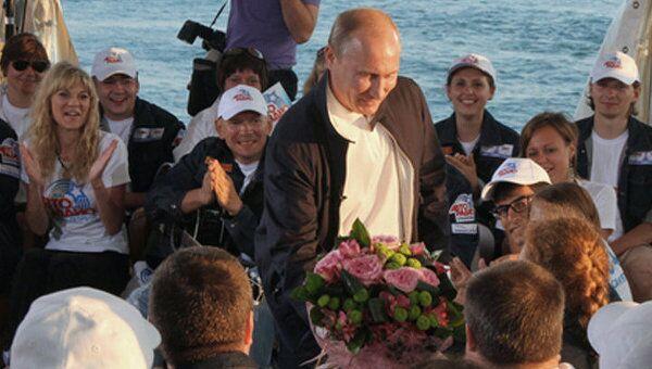Стройотряд Авторадио встретил Путина песней на олимпийской стройке в Сочи