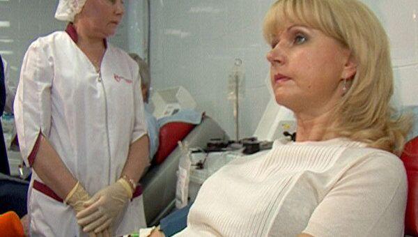 Татьяна Голикова сдала детскую дозу крови