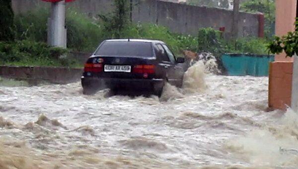 В Сочи начался локальный потоп из-за продолжительных ливней
