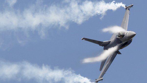 Истребитель F16. Архив
