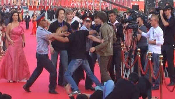 Дракой на красной дорожке открылся фестиваль экшн-фильмов ASTANА
