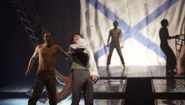 Сцена из спектакля Юнона и Авось в постановке Марка Захарова