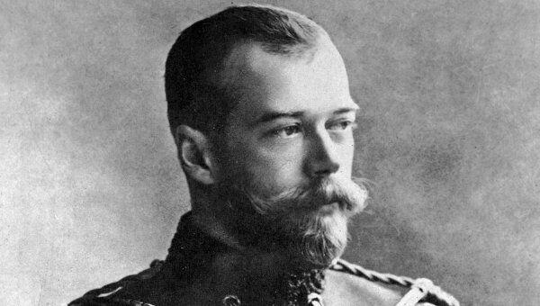 Император Николай II в форме лейб-гвардии гусарского полка его императорского величества