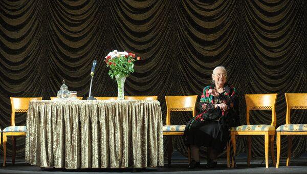 Народная артистка России Татьяна Панкова во время традиционного сбора труппы в Государственном академическом Малом театре.