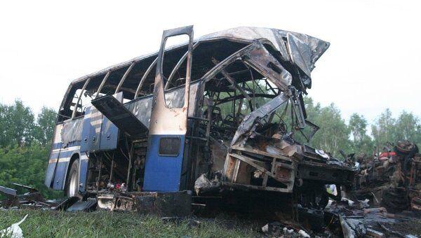 Столкновение рейсового автобуса и КамАЗа под Новосибирском