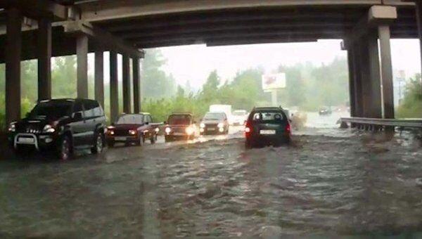 Дождь с градом обрушились на Воронеж