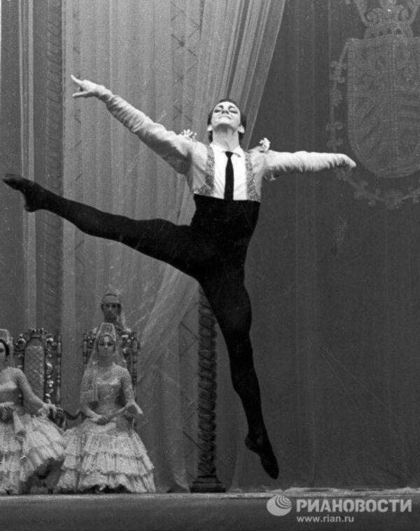 Солист балета Марис Лиепа