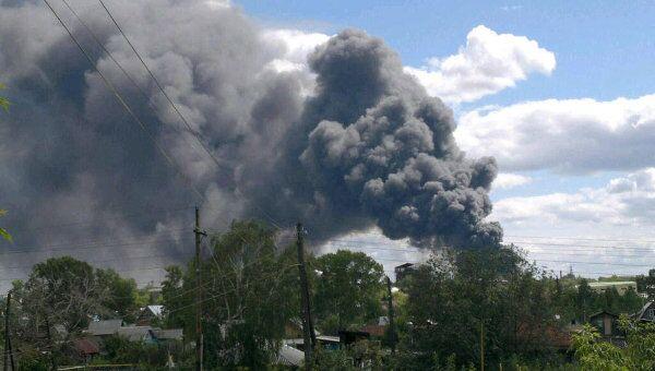 Крупный пожар вспыхнул в Новосибирске