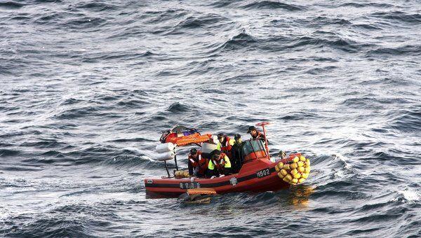 Поиск обломков потерпевшего крушение самолета Boeing-744 южнокорейской авиакомпании Asiana Airlines