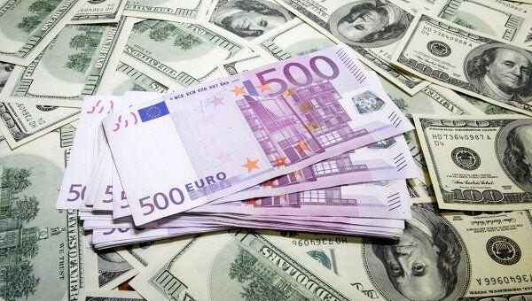 ММВБ запускает в понедельник торги парой евро-доллар