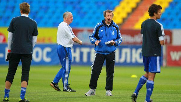 Борис Игнатьев и Юрий Семин (в центре слева направо)
