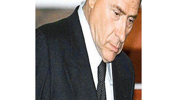 Берлускони ждет ответа на предложение о проведении саммита G8 в Аквиле