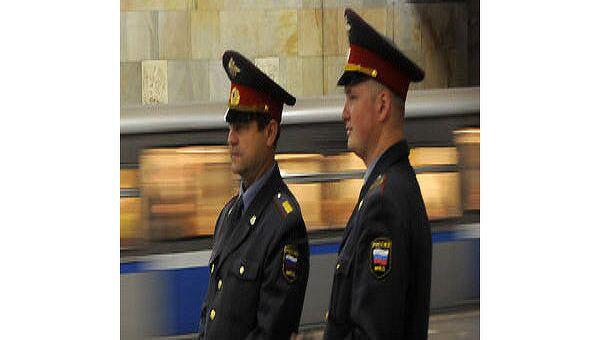 Милиция на станции метро. Архив