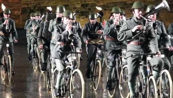 Голландский оркестр отыграл программу, не слезая с велосипедов