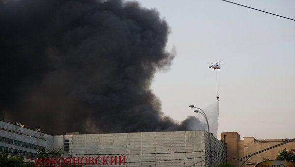 Пожар на складе на улице Талалихина в Москве